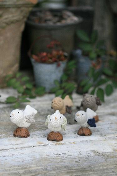 くるカラ編み鳥